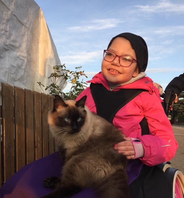 Thalea mit Katze